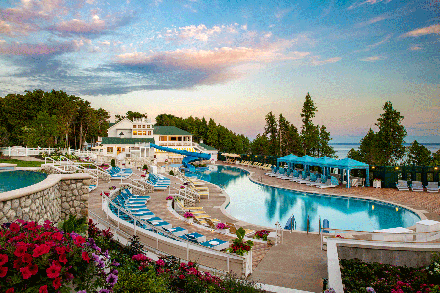 Grand-Hotel-mackincac-island-michigan-pool