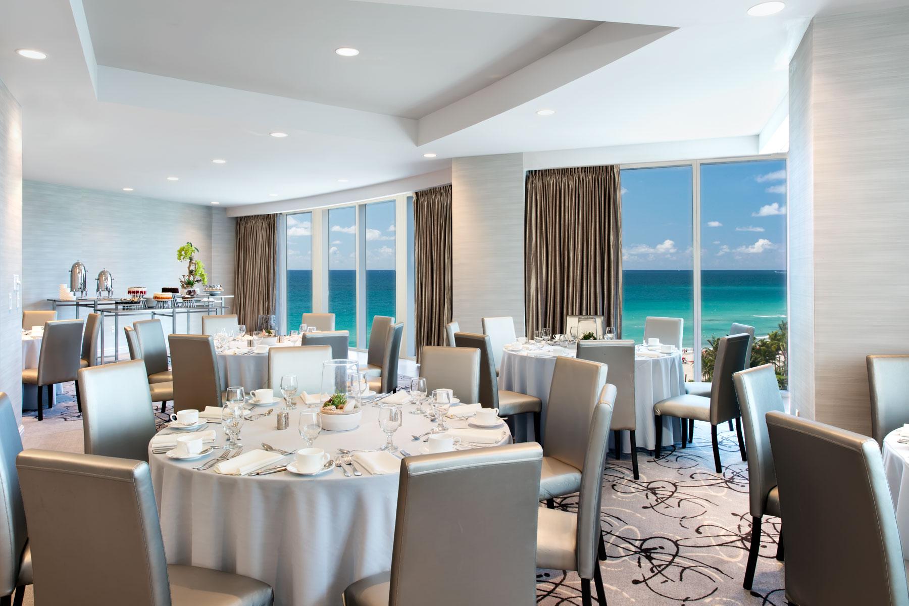 Trump-Resort-Miami-meeting-2