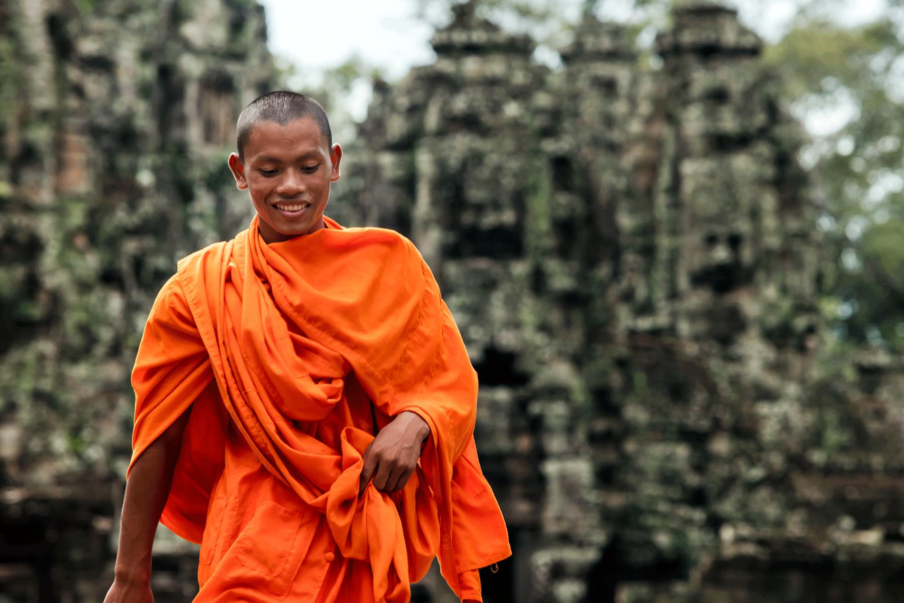 Cambodian-monk-siem-reap-angkor