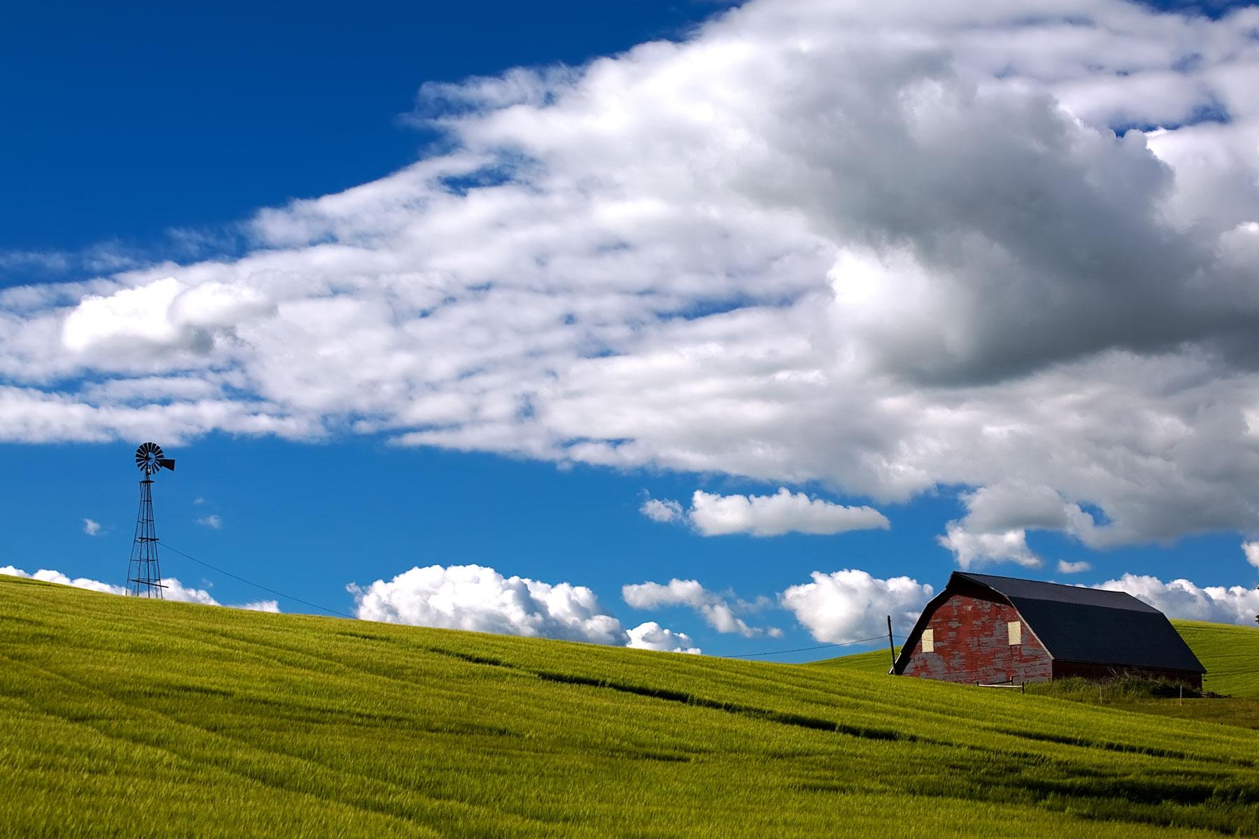 big-sky-barn-windmill-idaho